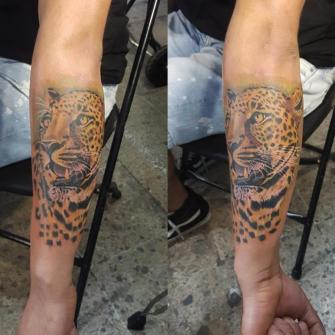 Jaguar tatuaje realizado por The inkperfect tattoo shop