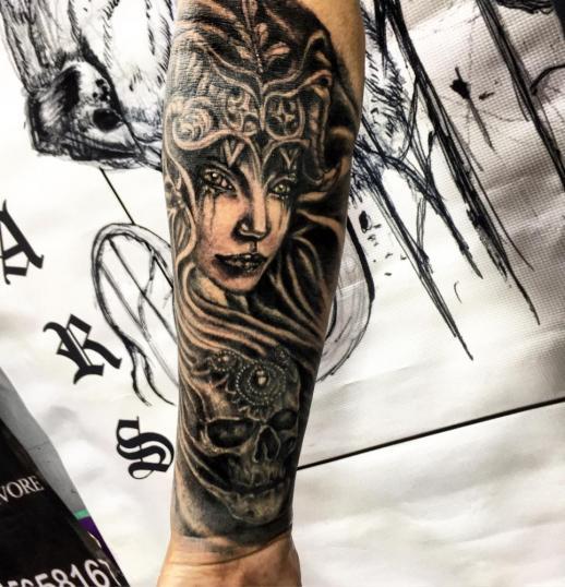 ???????? tatuaje realizado por Ari Guzman