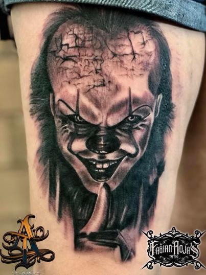 Eso el payaso, realismo black and grey tatuaje realizado por Fabian Rojas