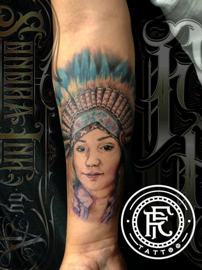 Apache  tatuaje realizado por Fabian Rojas