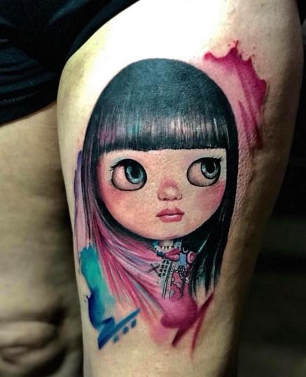 Caricatura mujer tatuaje realizado por Fabian Rojas