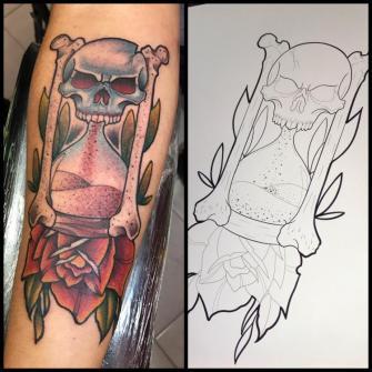 Tiempo tatuaje realizado por Edgar Salazar