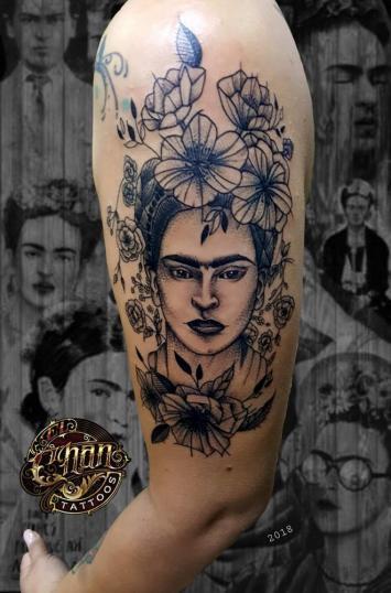 Frida  tatuaje realizado por El CHAN Tattoos