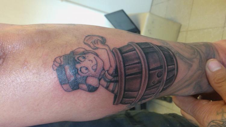 El chavo del 8 tatuaje realizado por Cristopher Ortiz