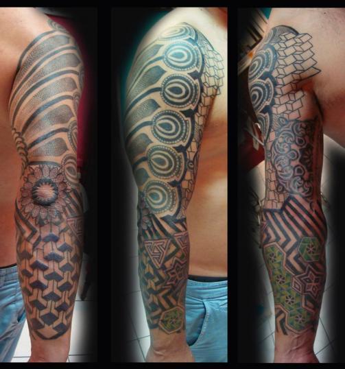 tatuaje en todo el brazo tatuaje realizado por Rene pacheco