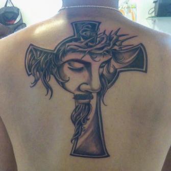 Cisto tatuaje realizado por Cristopher Ortiz