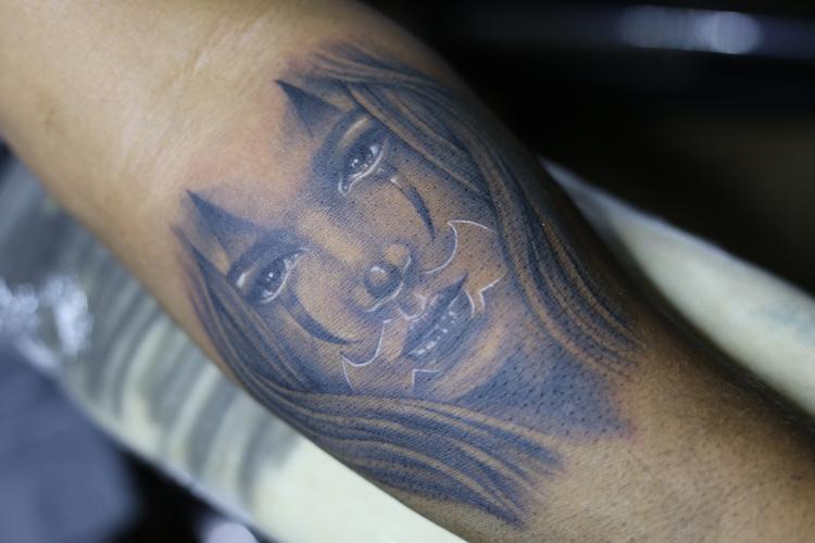 PAYASITA  tatuaje realizado por Old Gangsters Tattoo Shop