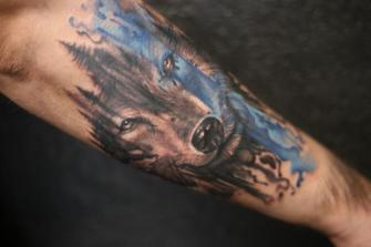LOBO  tatuaje realizado por Old Gangsters Tattoo Shop