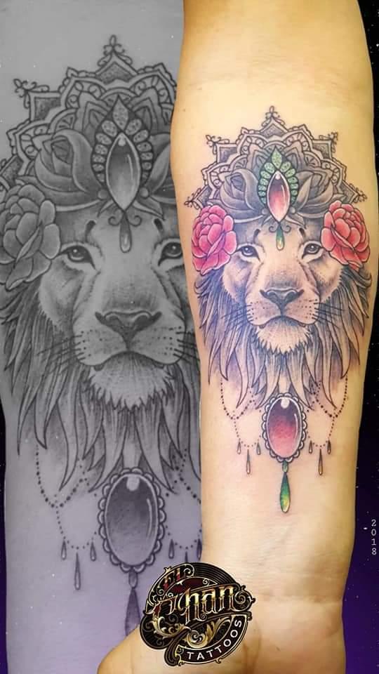 León  tatuaje realizado por El CHAN Tattoos