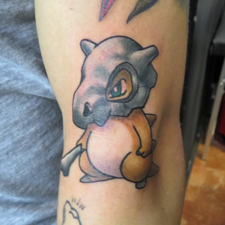Pokemon tatuaje realizado por Totentanz Cabral