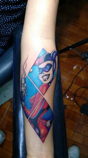 Herley Queen tatuaje realizado por Chilatown Custom Desing