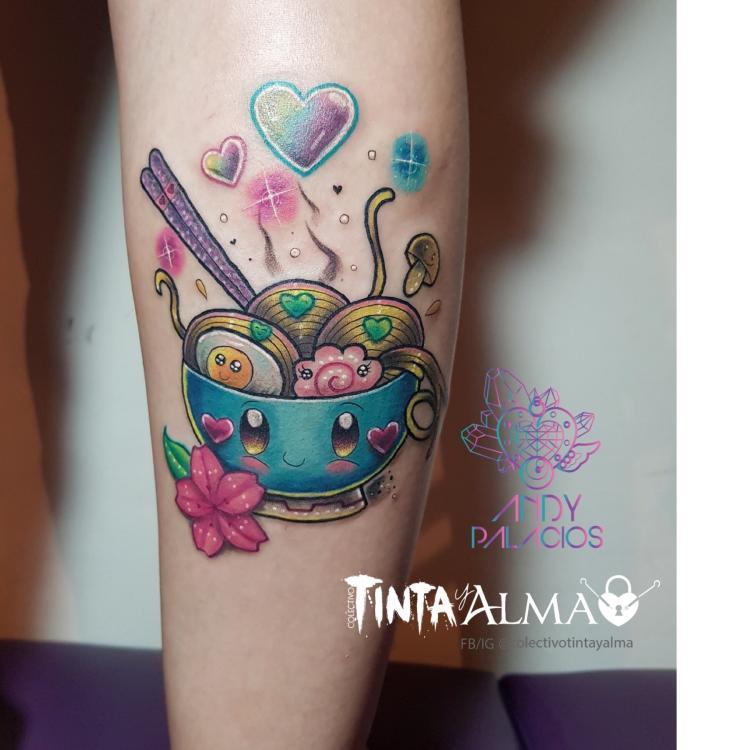 Ramen kawaaii tatuaje realizado por Tinta y Alma