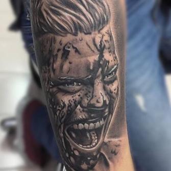 Ivar el Deshuesado tatuaje realizado por Angel Ruiz (Hard Core)