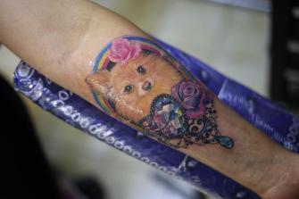 ROSTRO DE PERRITA  tatuaje realizado por Old Gangsters Tattoo Shop