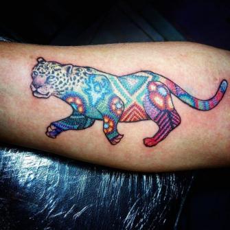 Jaguar arte mexicano tatuaje realizado por Ruth Winchester