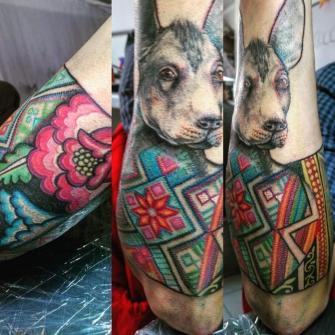Xoloitzcuintle tatuaje realizado por Ruth Winchester
