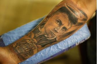 RETRATO FAMILIA tatuaje realizado por Old Gangsters Tattoo Shop