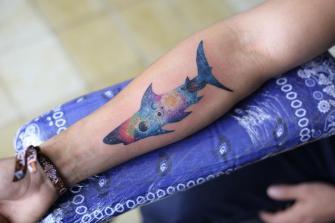 TIBURON GALACTICO EN  ANTEBRAZO tatuaje realizado por Old Gangsters Tattoo Shop