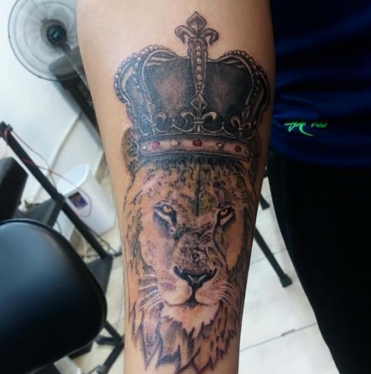 Rey León!  tatuaje realizado por Jonathan Aguirre