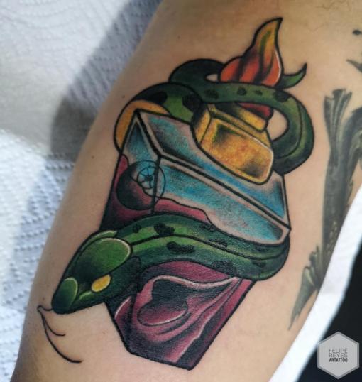 botella (diseño propio)  tatuaje realizado por Felipe Reyes