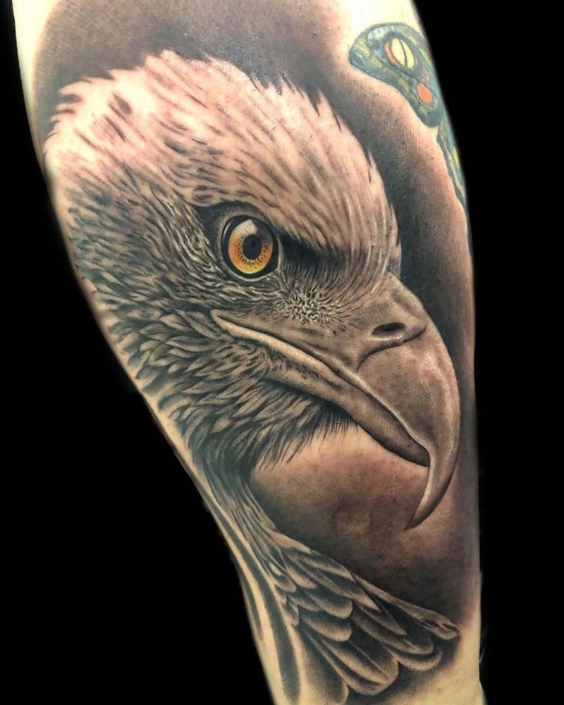 Primer tatuaje que hago en una espinilla y mi clienta como si nada! ????  tatuaje realizado por Angel Ruiz (Hard Core)