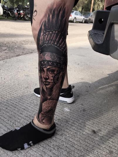 India apache Black and Grey tatuaje realizado por Raphael Rios