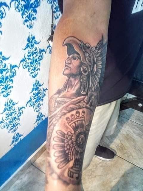 GuerreroAzteca tatuaje realizado por Rak Martinez