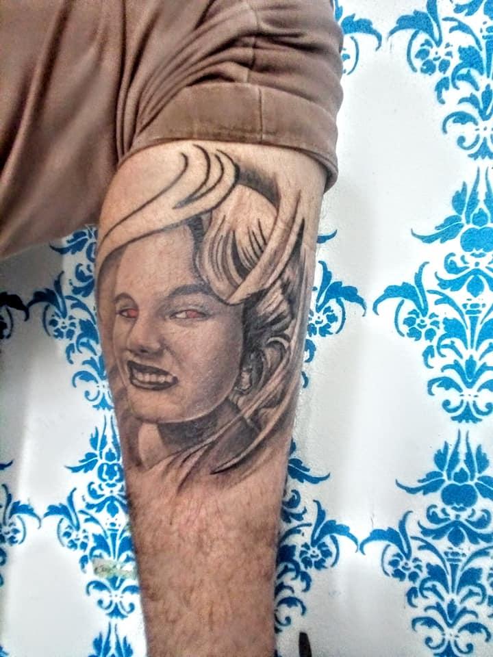 Rostro tatuaje realizado por Rak Martinez