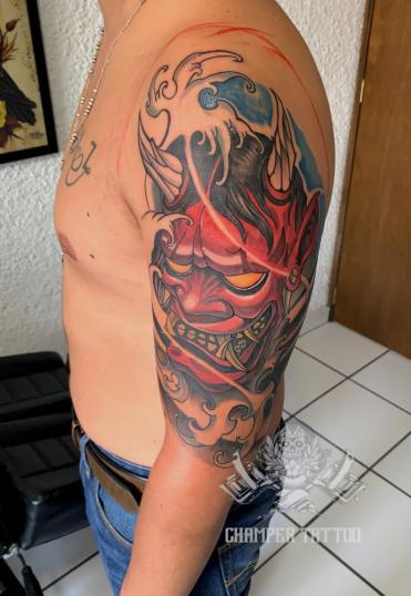 Máscara Oni tatuaje realizado por Champer tattoo Querétaro