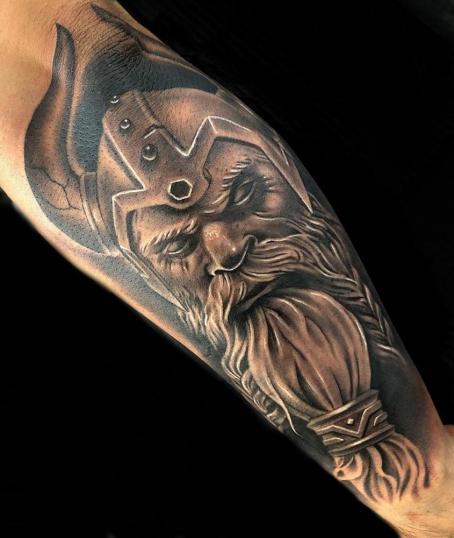 Diseño de vikingo traigo por mi cliente ??????? tatuaje realizado por Angel Ruiz (Hard Core)