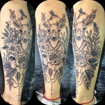 Venado tatuaje realizado por Rene pacheco