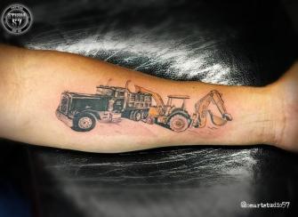 Maquinas  tatuaje realizado por Omar Mendoza