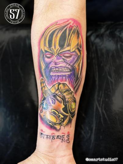 Thanos tatuaje realizado por Omar Mendoza