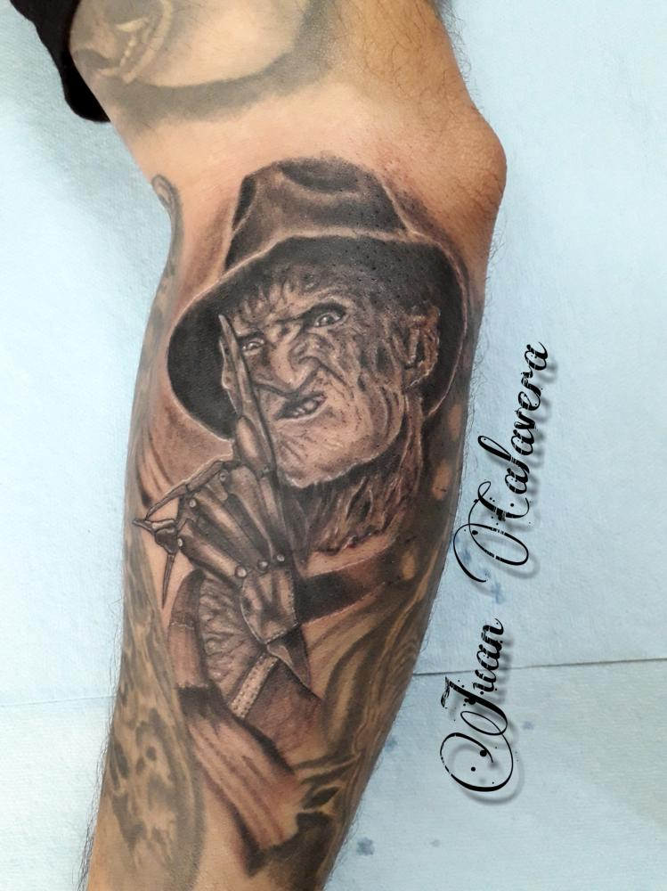 Freddy  tatuaje realizado por Juan Calavera