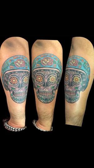 Calavera biker tatuaje realizado por Rene pacheco