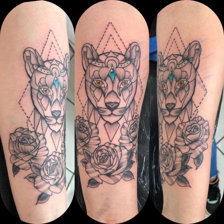 Tatuaje mujer tatuaje realizado por Rene pacheco