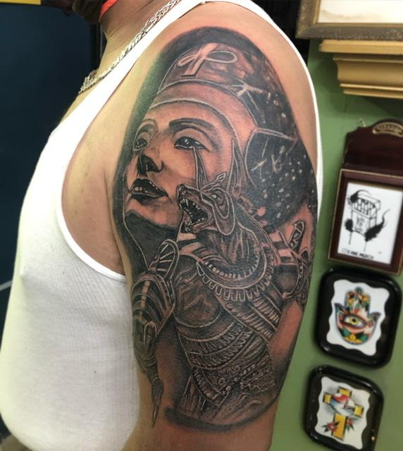 Anubis tattoo tatuaje realizado por Rene pacheco