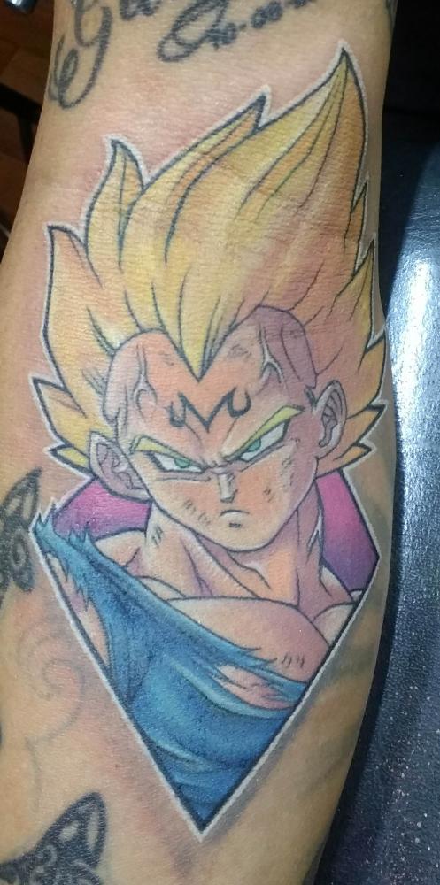Vegeta tatuaje realizado por Chilatown Custom Desing